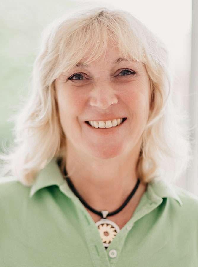 Dr. Petra Mader